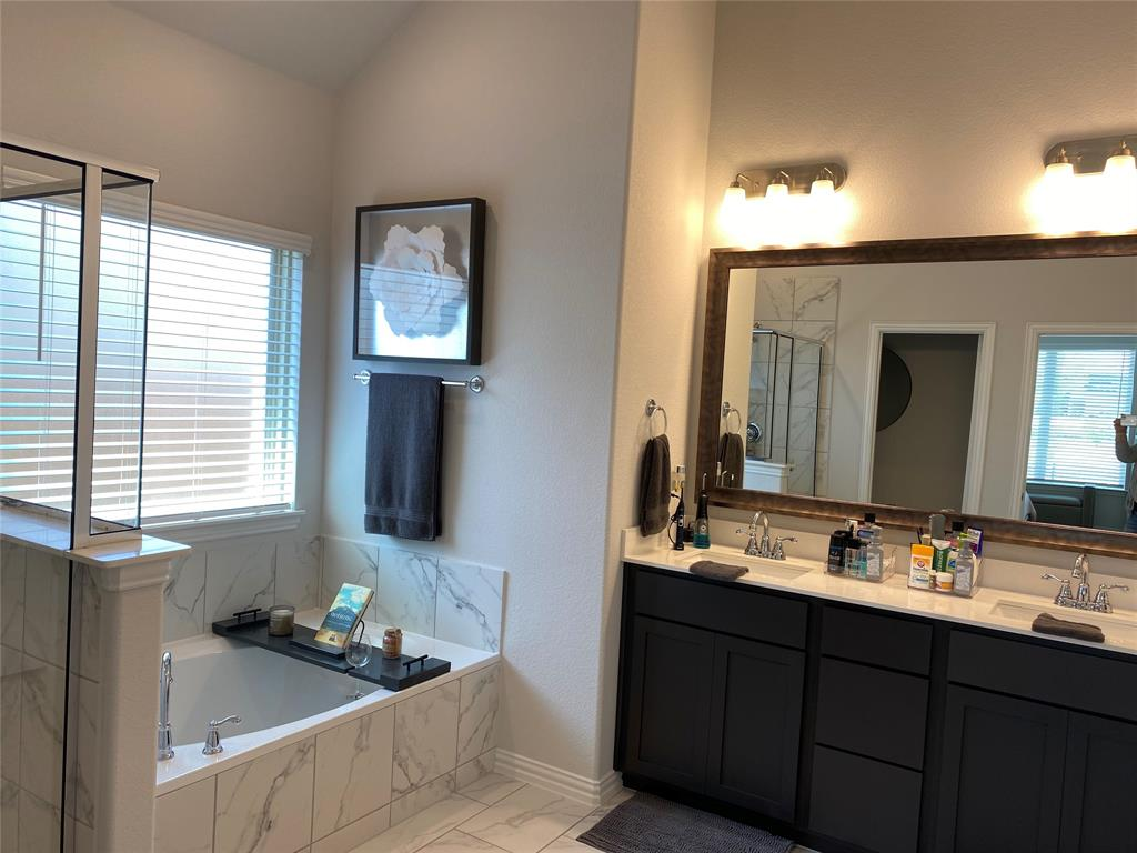 10416 Lakemont  Drive, Fort Worth, Texas 76131 - acquisto real estate best designer and realtor hannah ewing kind realtor