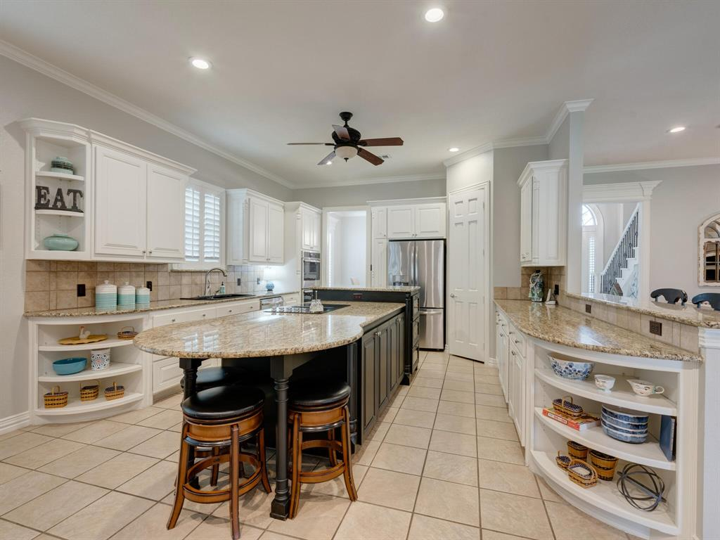 8309 Valley Oaks  Drive, North Richland Hills, Texas 76182 - acquisto real estate best frisco real estate broker in texas for high net worth buyers