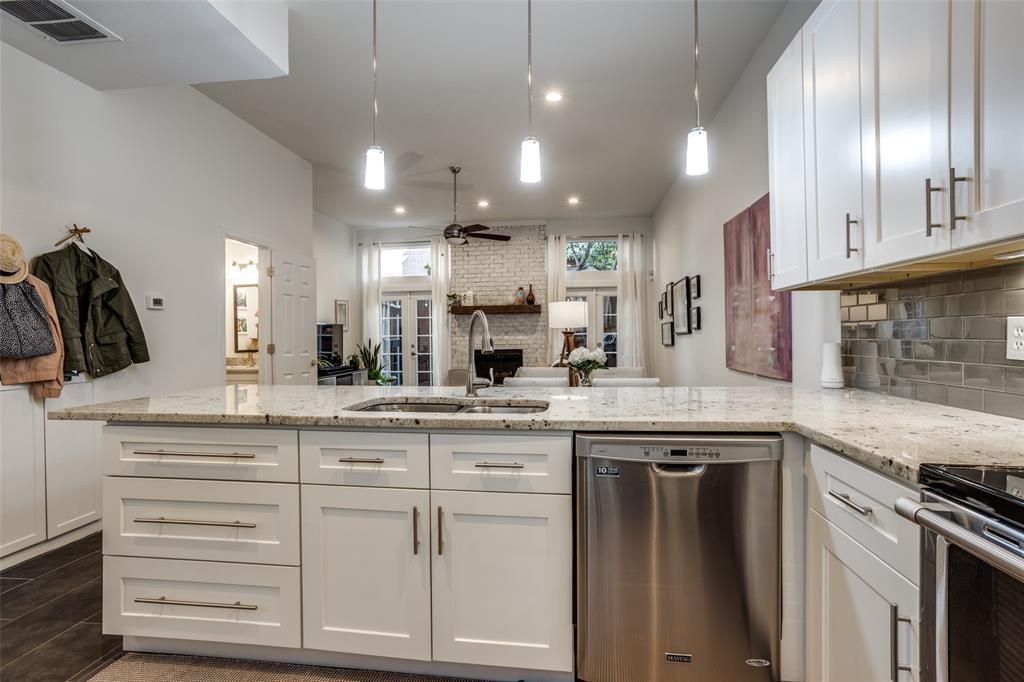 4025 Holland Avenue, Dallas, Texas 75219 - acquisto real estate best real estate company to work for
