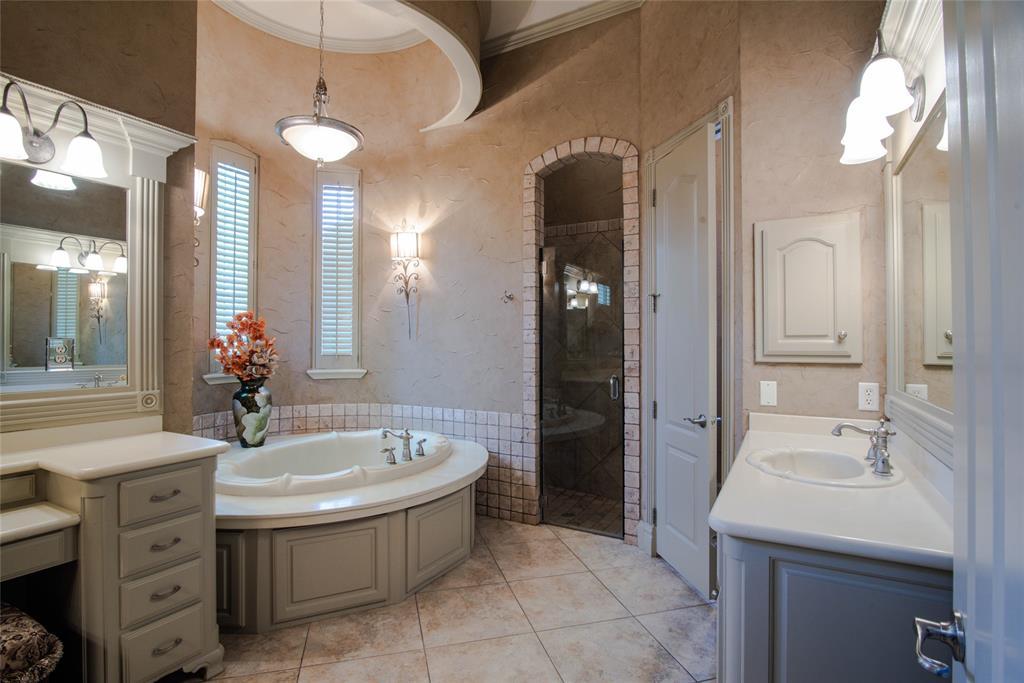 577 Round Hollow  Lane, Southlake, Texas 76092 - acquisto real estate best new home sales realtor linda miller executor real estate