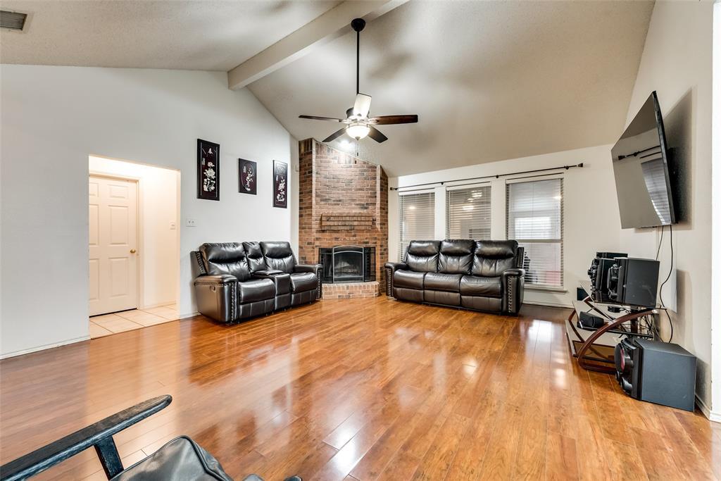 820 Miles  Lane, Cedar Hill, Texas 75104 - acquisto real estate best prosper realtor susan cancemi windfarms realtor
