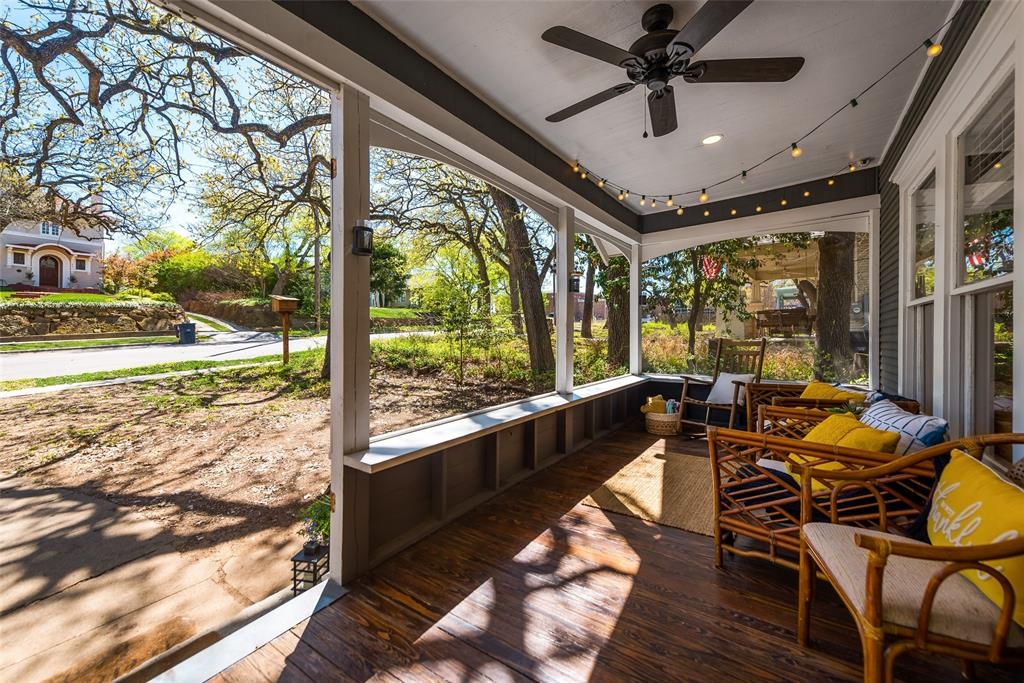 606 Pearl Street, Denton, Texas 76201 - acquisto real estate agent of the year mike shepherd
