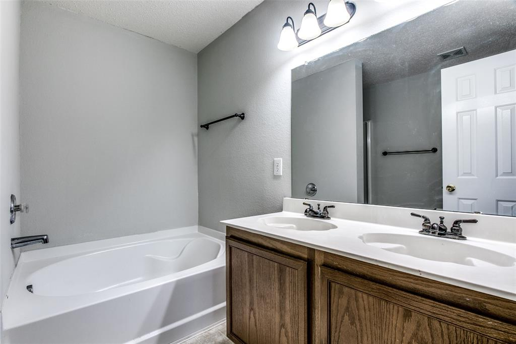 1724 Rialto  Way, Fort Worth, Texas 76247 - acquisto real estate best frisco real estate broker in texas for high net worth buyers