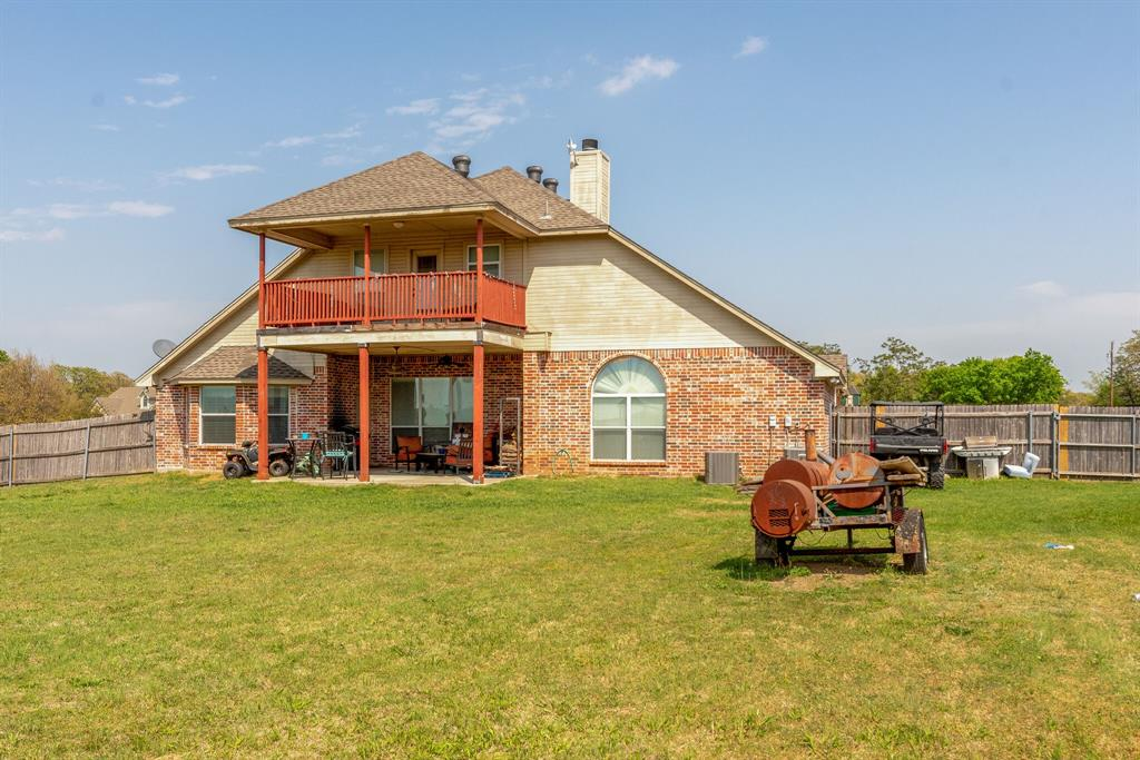 110 Crestwood  Lane, Springtown, Texas 76082 - acquisto real estate best looking realtor in america shana acquisto