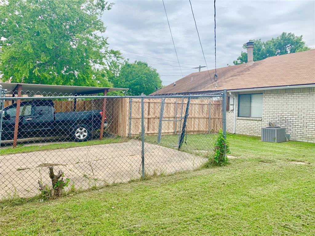 312 Navarro  Lane, Grand Prairie, Texas 75052 - acquisto real estate best frisco real estate agent amy gasperini panther creek realtor