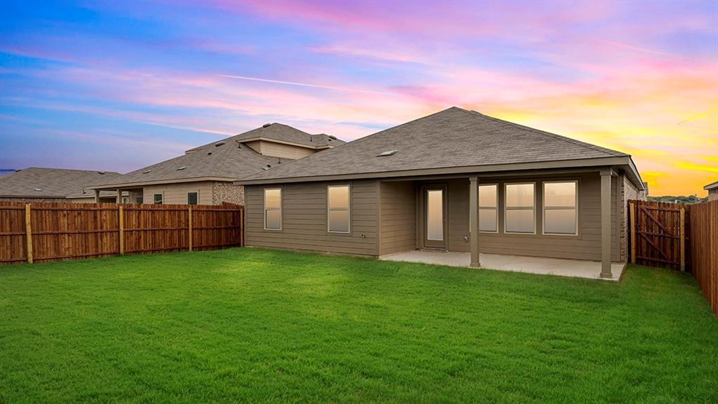 9328 HERRINGBONE Drive, Fort Worth, Texas 76131 - acquisto real estate best realtor foreclosure real estate mike shepeherd walnut grove realtor