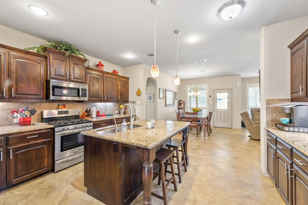 200 Oakmont Drive, Northlake, Texas 76226 - acquisto real estate best flower mound realtor jody daley lake highalands agent of the year