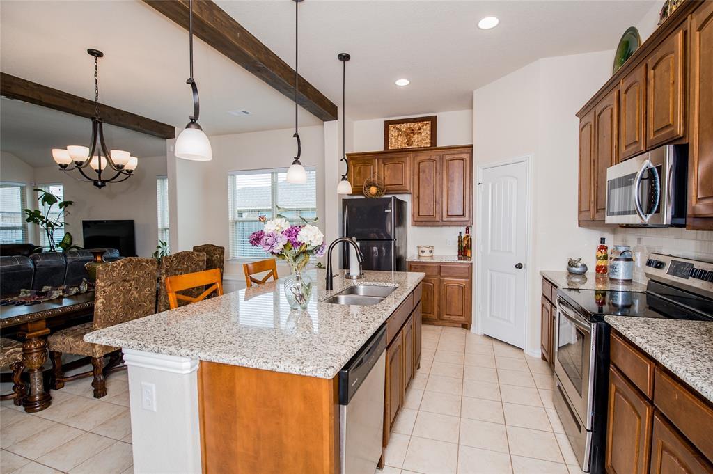 1604 Pacific Avenue, Ennis, Texas 75119 - acquisto real estate best highland park realtor amy gasperini fast real estate service