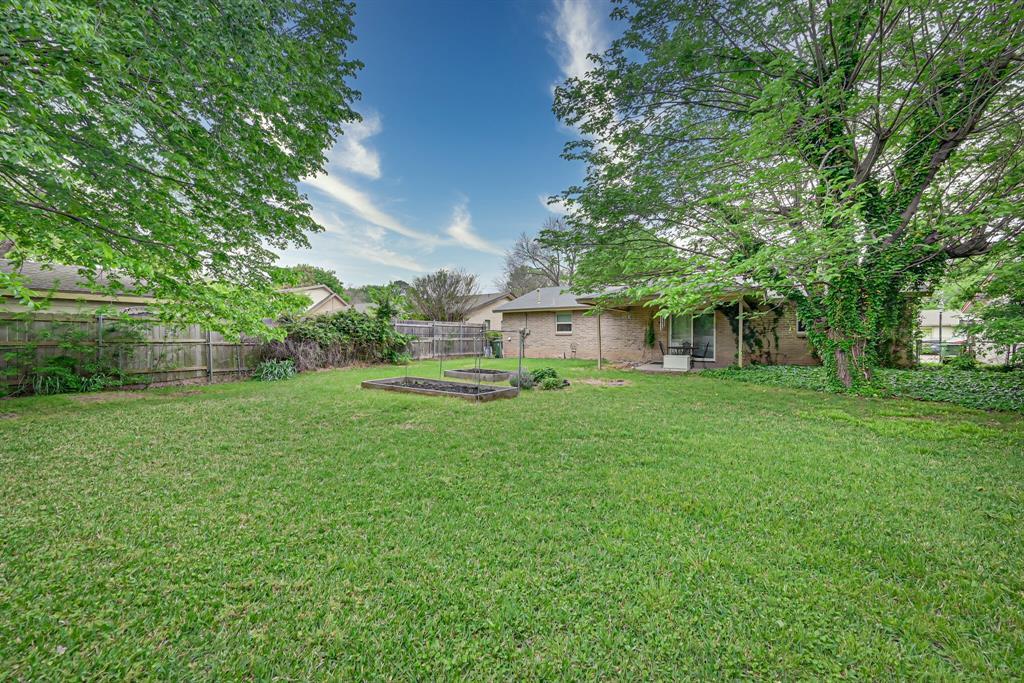 1206 Shelmar  Drive, Arlington, Texas 76014 - acquisto real estate best frisco real estate agent amy gasperini panther creek realtor