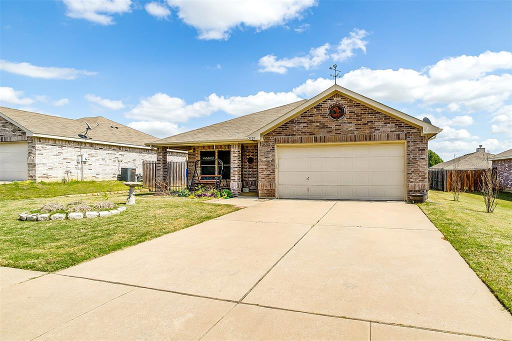 2529 Castle Pines Drive, Burleson, Texas 76028 - Acquisto Real Estate best mckinney realtor hannah ewing stonebridge ranch expert