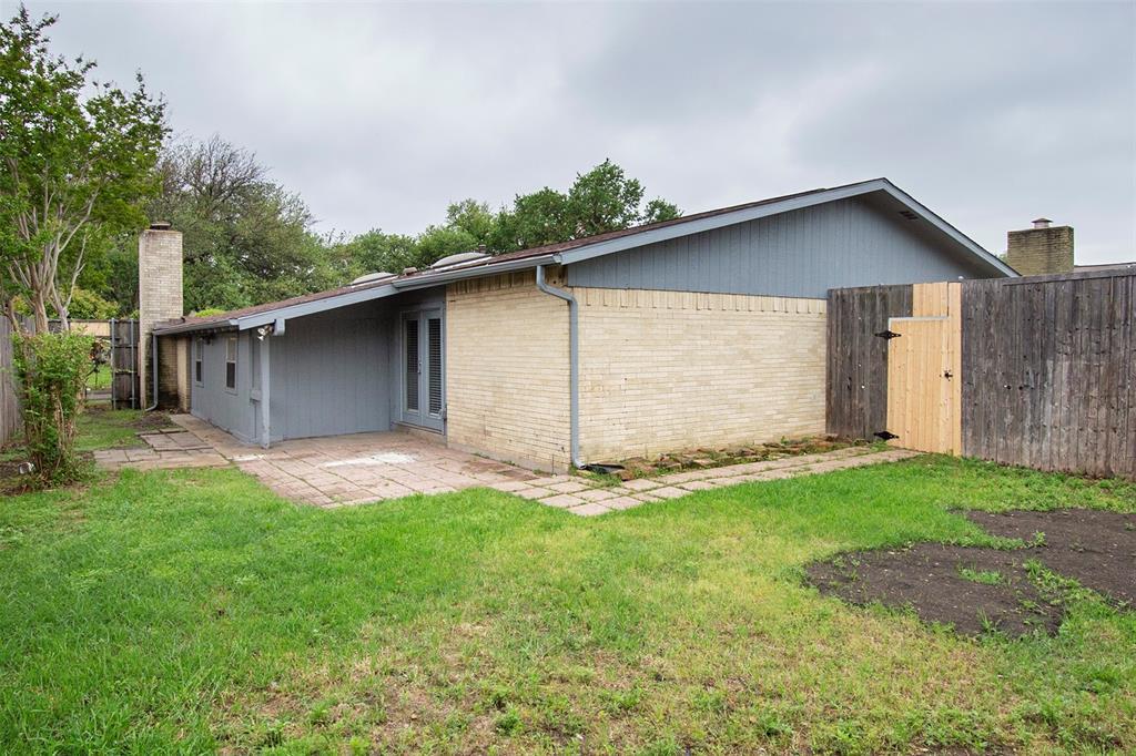 1837 Addington  Drive, Carrollton, Texas 75007 - acquisto real estate best listing listing agent in texas shana acquisto rich person realtor