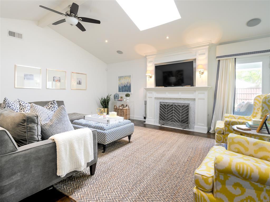 6807 Truxton  Drive, Dallas, Texas 75231 - acquisto real estate best real estate company in frisco texas real estate showings