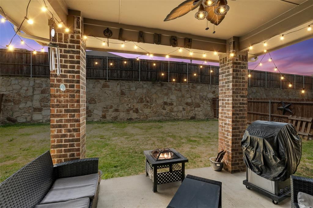 9145 Bronze Meadow  Drive, Fort Worth, Texas 76131 - acquisto real estate best frisco real estate agent amy gasperini panther creek realtor