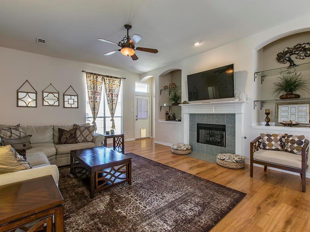 1813 Travis  Drive, Allen, Texas 75002 - acquisto real estate best realtor foreclosure real estate mike shepeherd walnut grove realtor