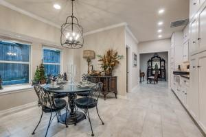 9631 Hilldale  Drive, Dallas, Texas 75231 - acquisto real estate best style realtor kim miller best real estate reviews dfw