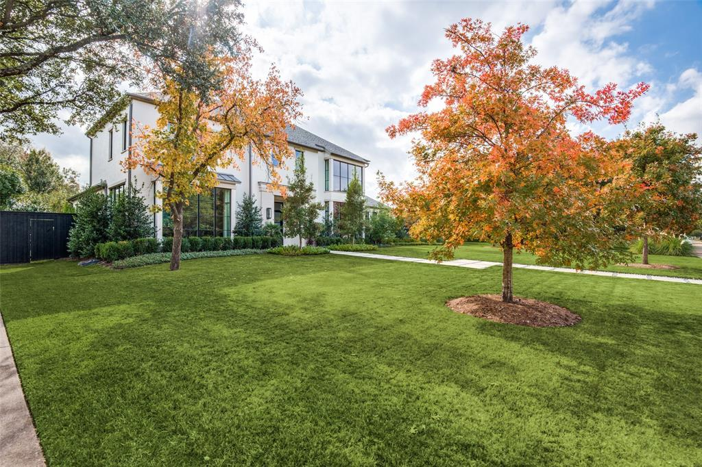 4618 Crooked  Lane, Dallas, Texas 75229 - acquisto real estate mvp award real estate logan lawrence