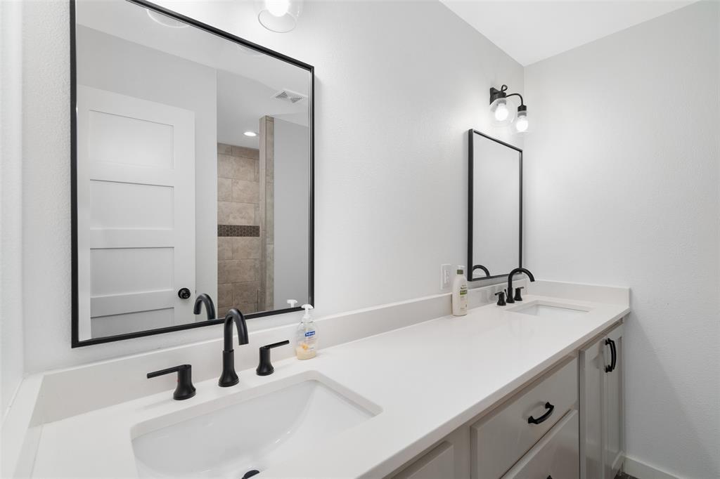5742 Four Seasons  Lane, McKinney, Texas 75071 - acquisto real estate best realtor foreclosure real estate mike shepeherd walnut grove realtor