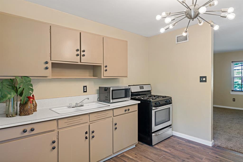 268 Crockett  Street, Lone Star, Texas 75668 - acquisto real estate best designer and realtor hannah ewing kind realtor