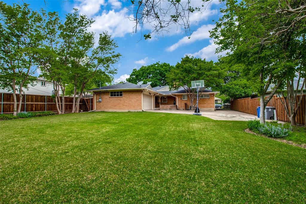 6240 Saratoga  Circle, Dallas, Texas 75214 - acquisto real estate best investor home specialist mike shepherd relocation expert