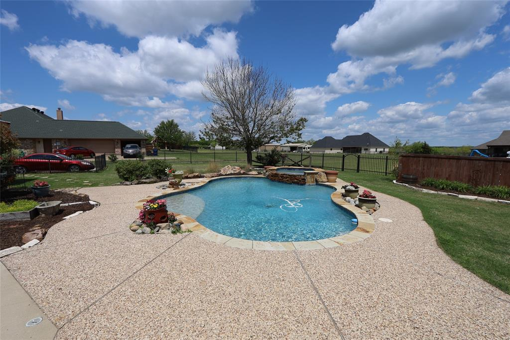 10188 Dennehy  Drive, Talty, Texas 75126 - acquisto real estate best park cities realtor kim miller best staging agent