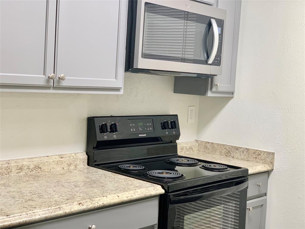 312 Navarro  Lane, Grand Prairie, Texas 75052 - acquisto real estate best real estate company to work for