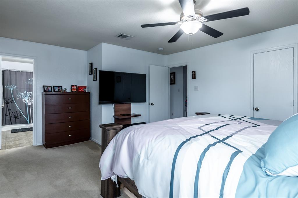 1824 Vineridge  Lane, Burleson, Texas 76028 - acquisto real estate best frisco real estate agent amy gasperini panther creek realtor