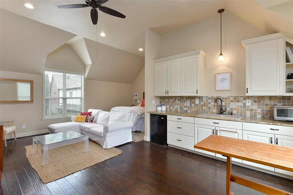 5226 Ridgedale  Avenue, Dallas, Texas 75206 - acquisto real estate best park cities realtor kim miller best staging agent