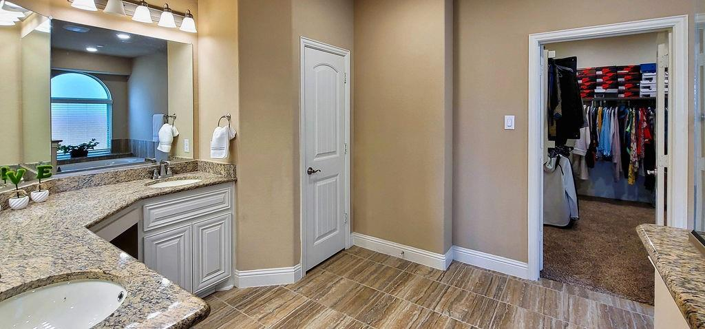 5225 Edgebrook  Way, Fort Worth, Texas 76244 - acquisto real estaet best boutique real estate firm in texas for high net worth sellers