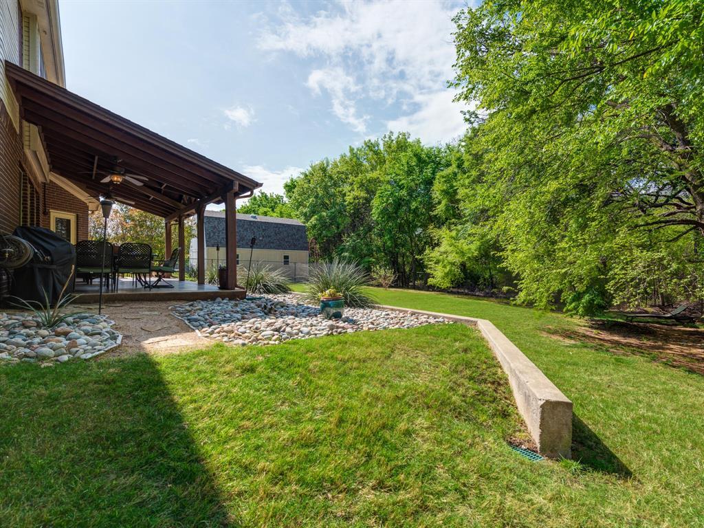 311 Cottonwood  Trail, Shady Shores, Texas 76208 - acquisto real estate mvp award real estate logan lawrence