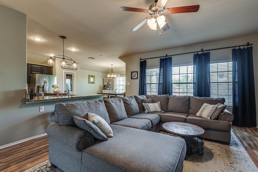 127 Sumac  Drive, Waxahachie, Texas 75165 - acquisto real estate best celina realtor logan lawrence best dressed realtor