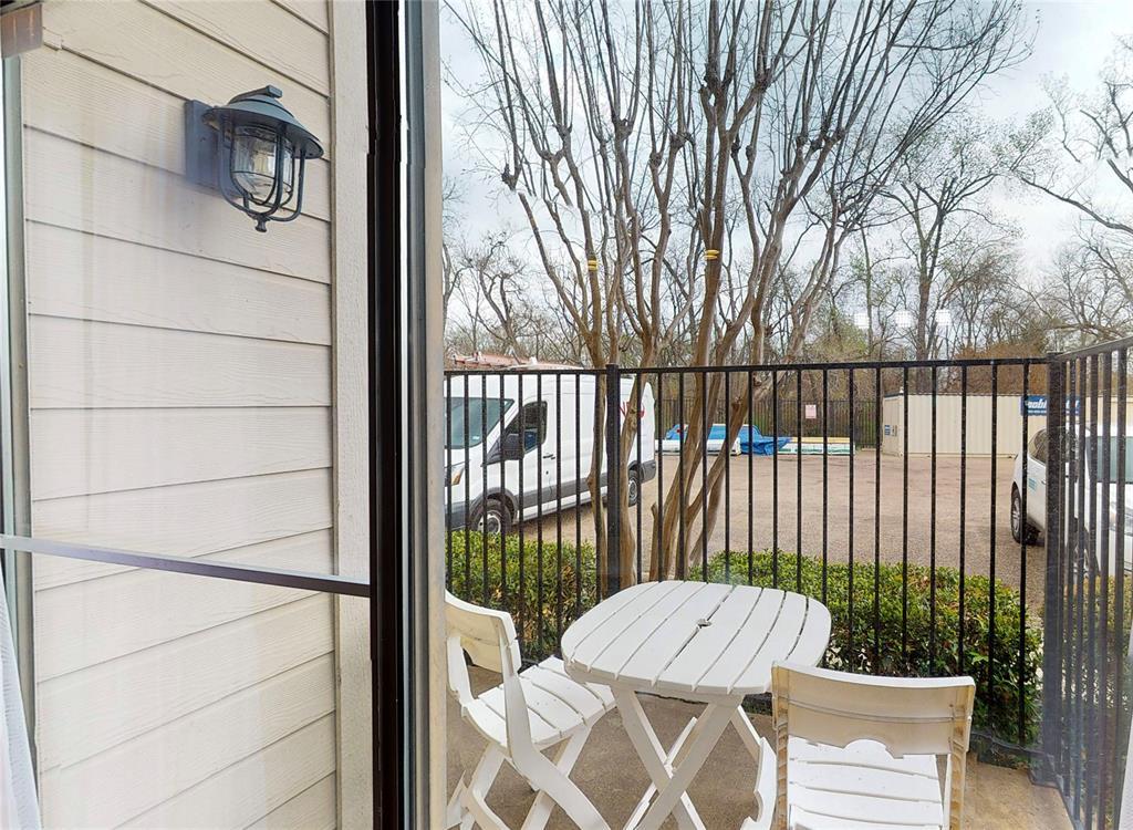 6900 Skillman Street, Dallas, Texas 75231 - acquisto real estate best negotiating realtor linda miller declutter realtor