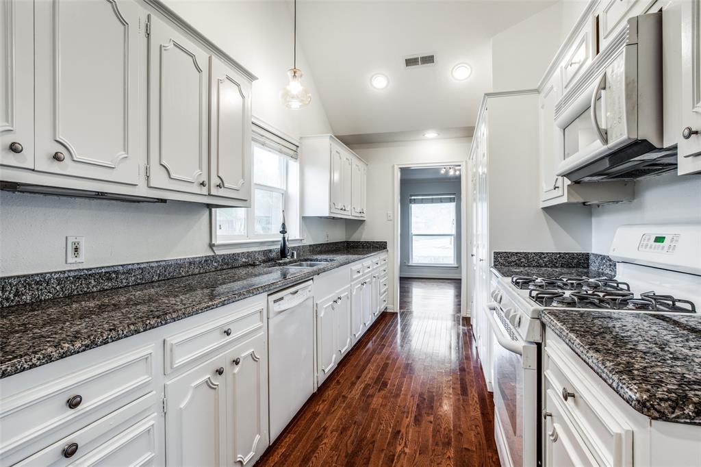 10473 Coleridge  Street, Dallas, Texas 75218 - acquisto real estate best highland park realtor amy gasperini fast real estate service