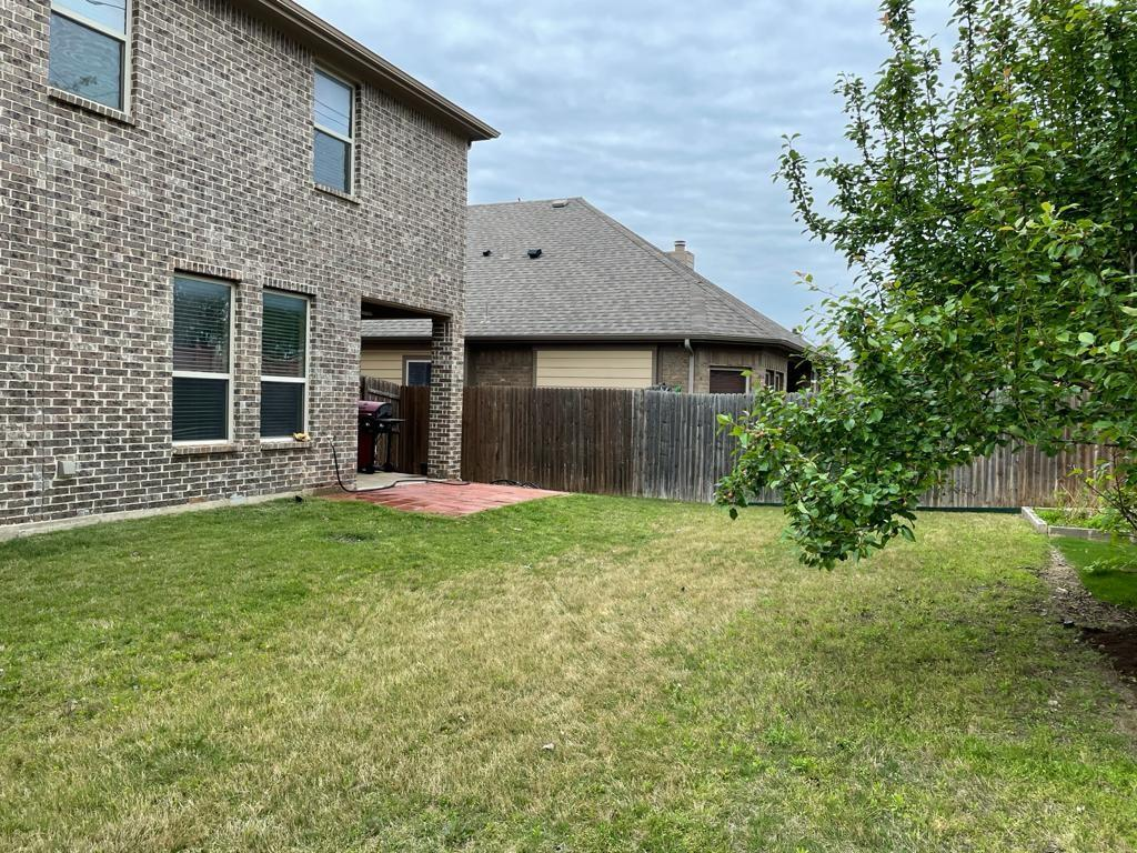 2724 Triangle Leaf  Drive, Fort Worth, Texas 76244 - acquisto real estate best plano real estate agent mike shepherd