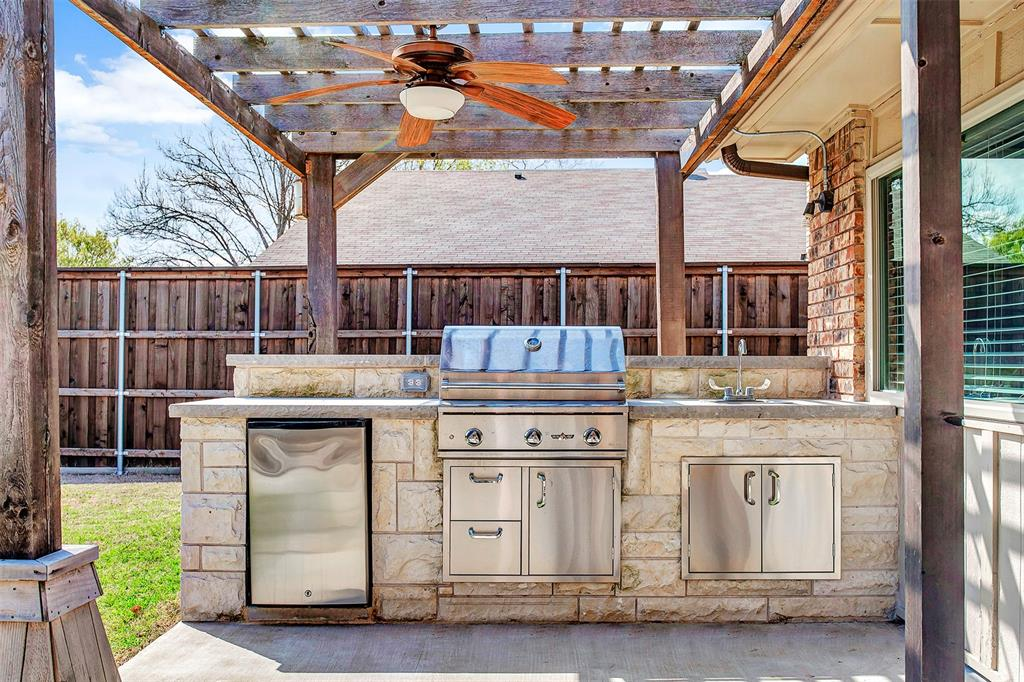 2108 Newcombe Drive, Plano, Texas 75093 - acquisto real estate best realtor foreclosure real estate mike shepeherd walnut grove realtor