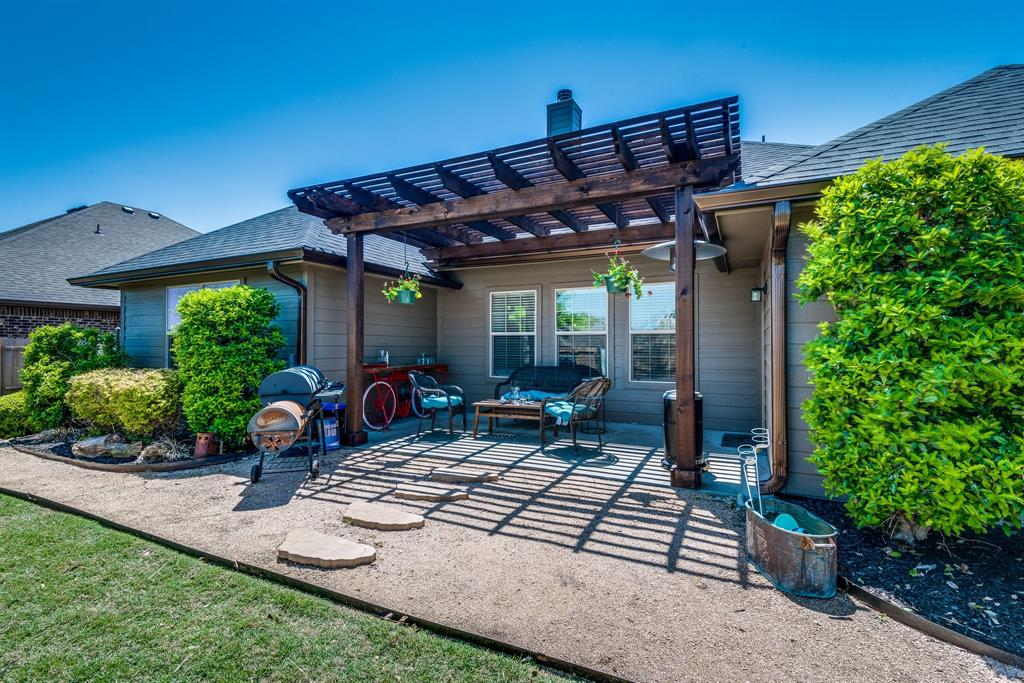 127 Sumac  Drive, Waxahachie, Texas 75165 - acquisto real estate best park cities realtor kim miller best staging agent