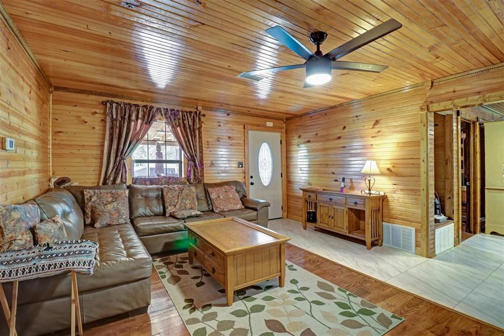 925 Hemlock Drive, West Tawakoni, Texas 75474 - acquisto real estate best real estate company to work for