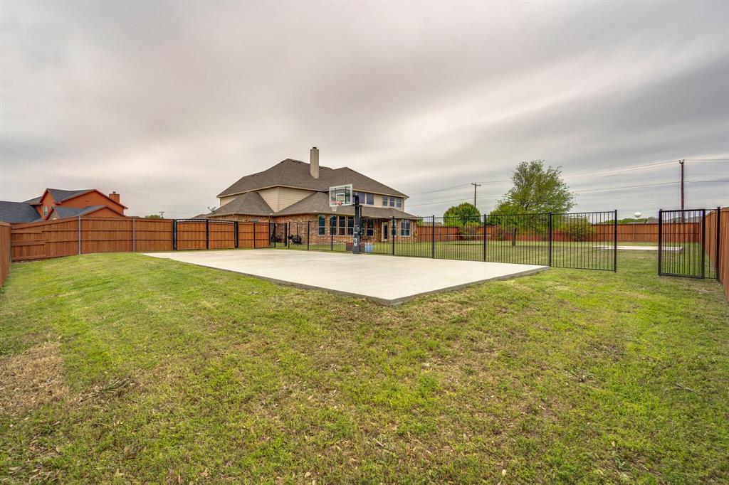 340 Cedar Crest  Drive, Justin, Texas 76247 - acquisto real estate best looking realtor in america shana acquisto
