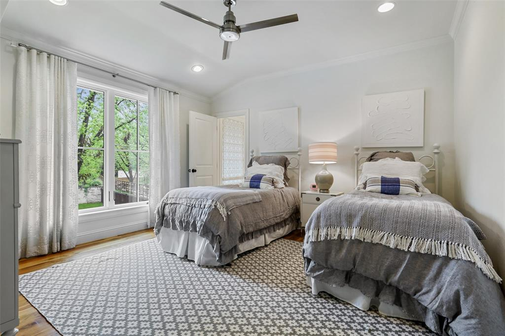 560 Northlake  Drive, Dallas, Texas 75218 - acquisto real estate agent of the year mike shepherd