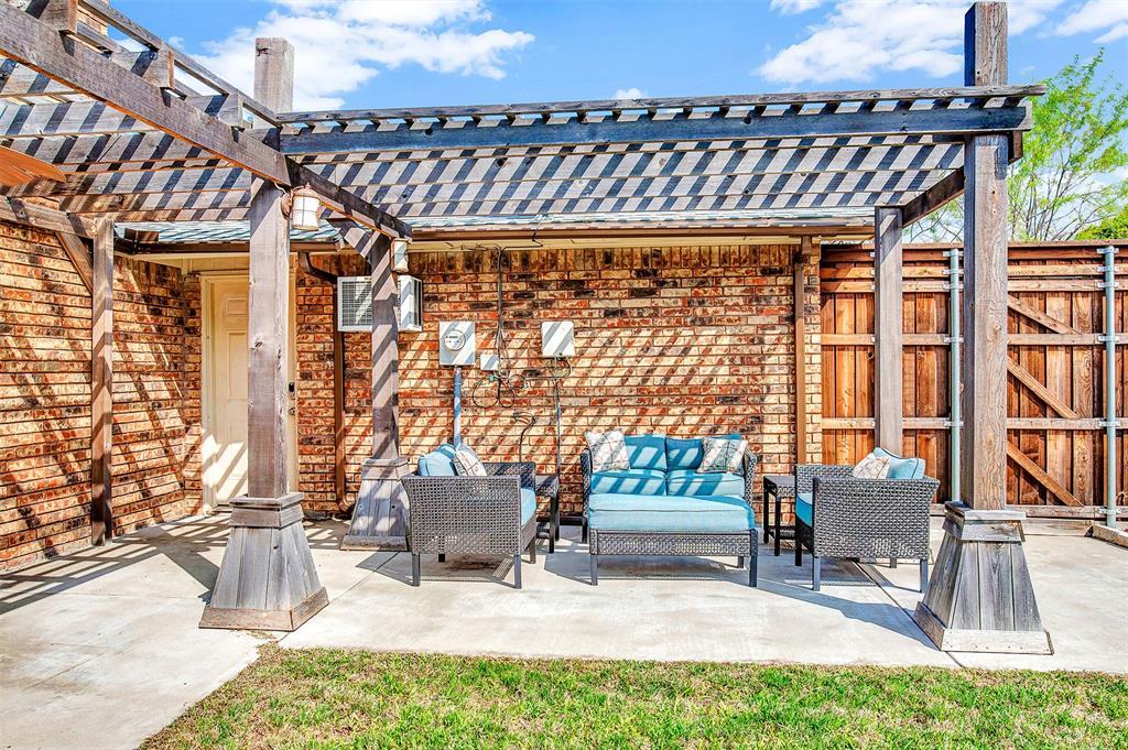 2108 Newcombe Drive, Plano, Texas 75093 - acquisto real estate best negotiating realtor linda miller declutter realtor