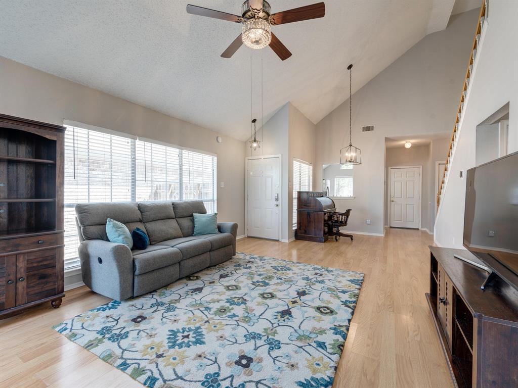 912 Azalia  Drive, Lewisville, Texas 75067 - acquisto real estate best highland park realtor amy gasperini fast real estate service