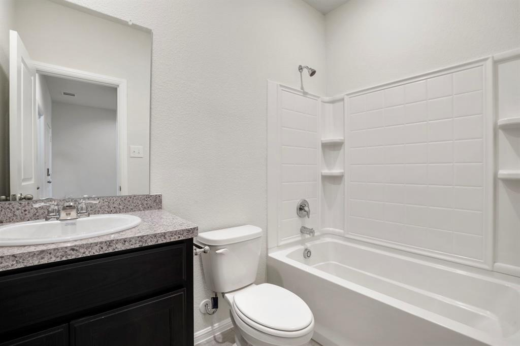 9352 HERRINGBONE Drive, Fort Worth, Texas 76131 - acquisto real estate best real estate company to work for