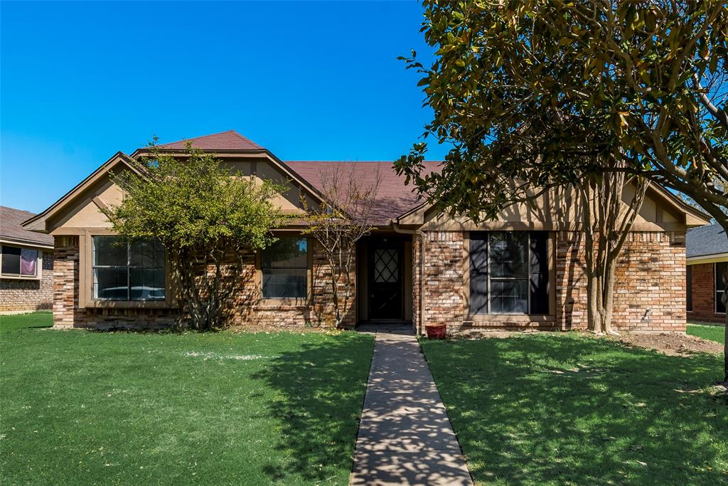 1511 Sunflower  Drive, Allen, Texas 75002 - Acquisto Real Estate best plano realtor mike Shepherd home owners association expert