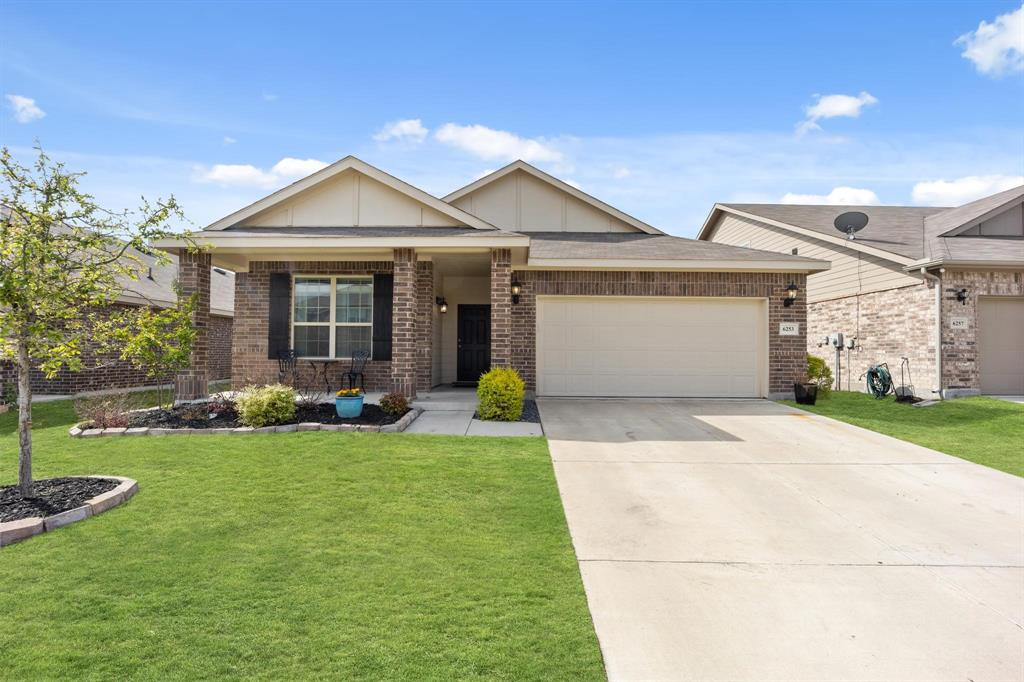 6253 Topsail  Drive, Fort Worth, Texas 76179 - Acquisto Real Estate best plano realtor mike Shepherd home owners association expert