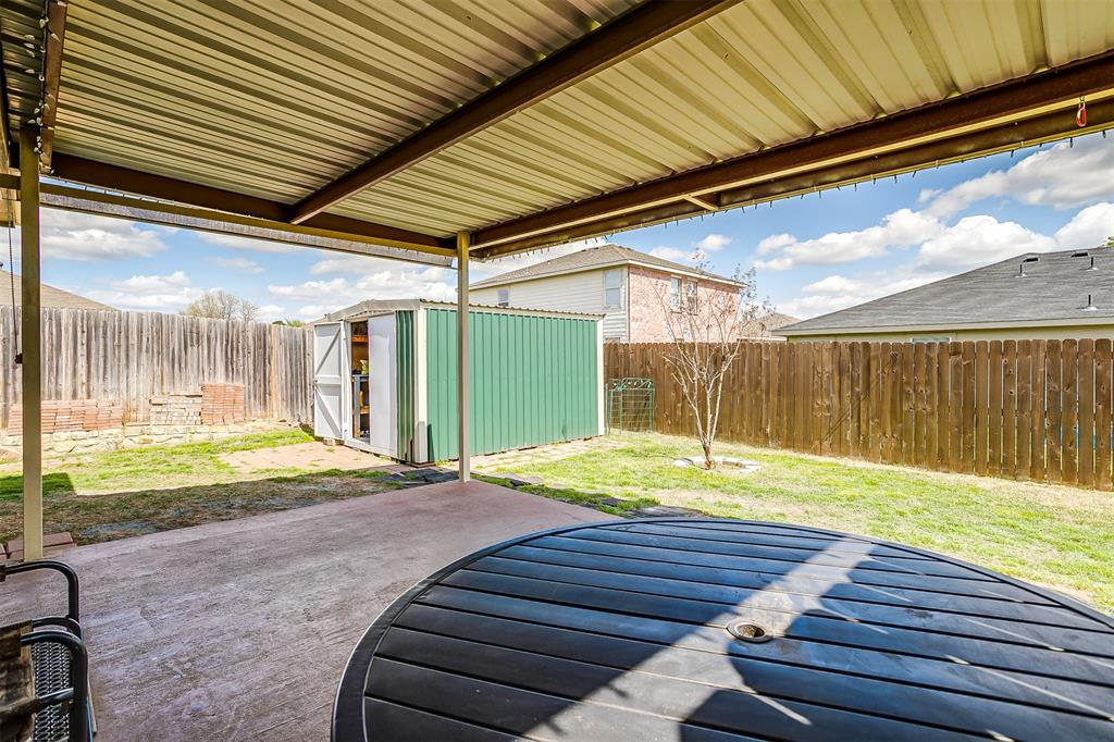 2529 Castle Pines Drive, Burleson, Texas 76028 - acquisto real estate best park cities realtor kim miller best staging agent