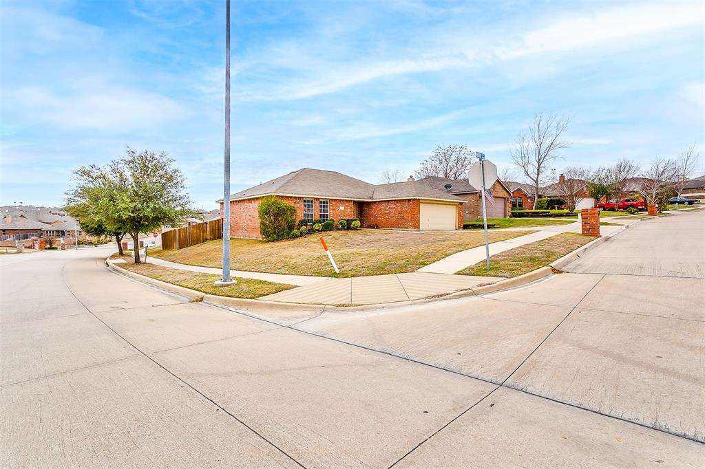 9301 Marie  Court, White Settlement, Texas 76108 - acquisto real estate best the colony realtor linda miller the bridges real estate
