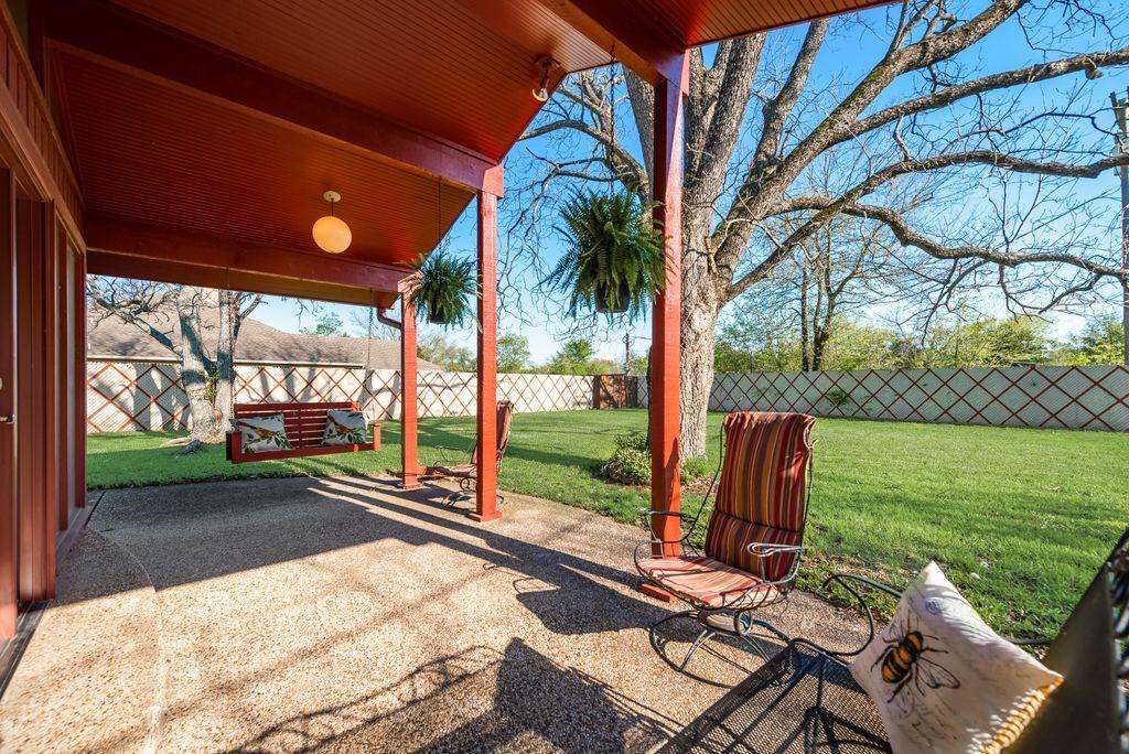 221 Laurel Lane, Fairfield, Texas 75840 - acquisto real estate best relocation company in america katy mcgillen