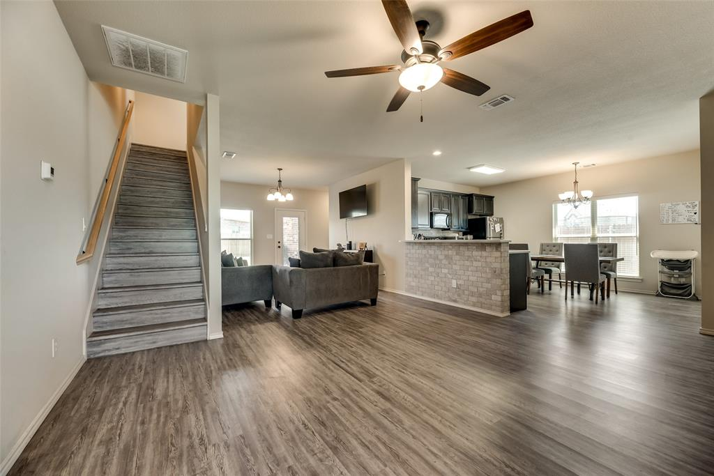 1016 Skyview  Court, Midlothian, Texas 76065 - acquisto real estate best highland park realtor amy gasperini fast real estate service