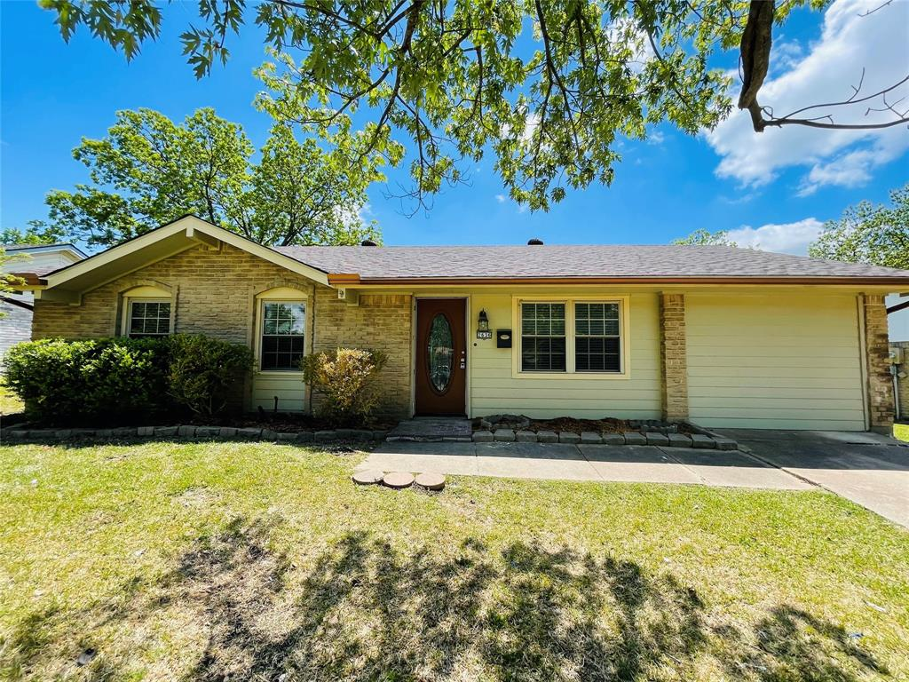 2636 Bluebird  Lane, Mesquite, Texas 75149 - Acquisto Real Estate best plano realtor mike Shepherd home owners association expert