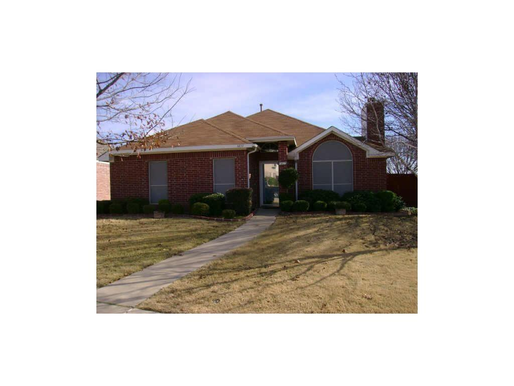 1817 ROSE CIRCLE  Lewisville, Texas 75077 - Acquisto Real Estate best plano realtor mike Shepherd home owners association expert