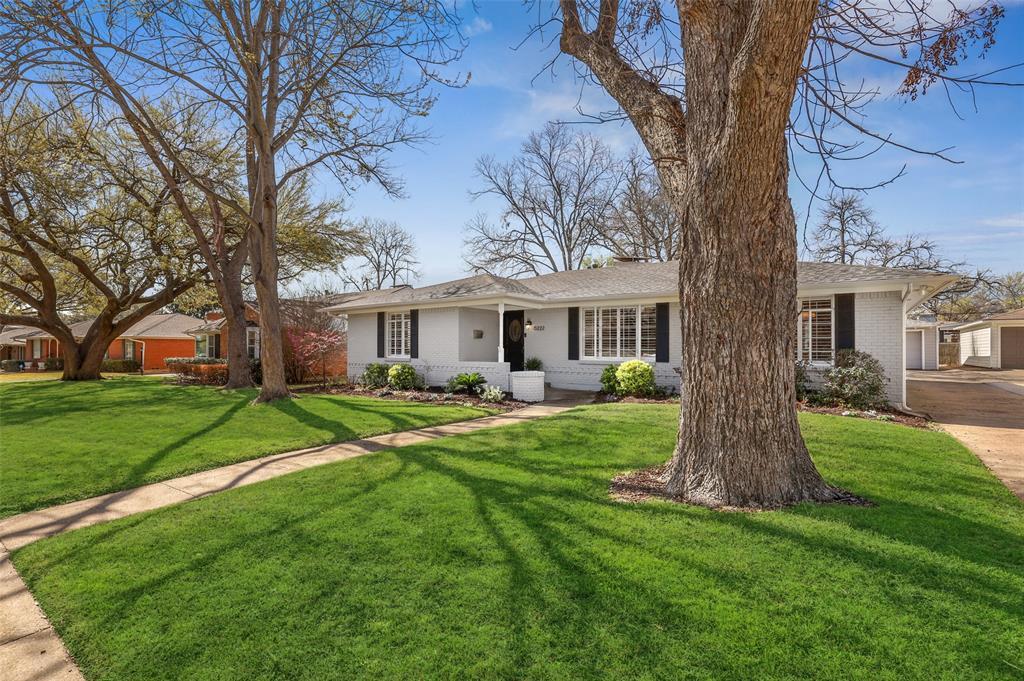6222 Crestmont Drive, Dallas, Texas 75214 - Acquisto Real Estate best mckinney realtor hannah ewing stonebridge ranch expert